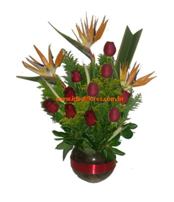 Cód: 5661 Arranjo com rosas e estrelÍcias(Escolher cor das Rosas)