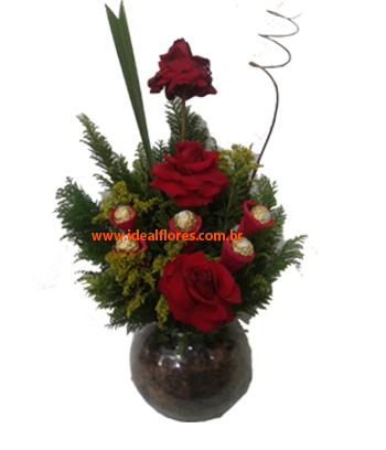 Cód: 5673           Arranjo Rosas e Ferrero
